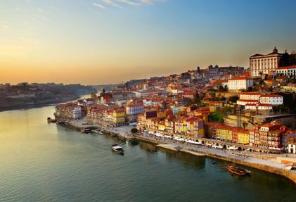 תמונת אווירה של חופי פורטוגל בעמוד יתרונות הדרכון הפורטוגלי